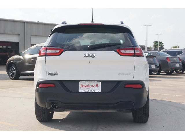 Pre-Owned 2016 Jeep Cherokee 4D SUV FWD