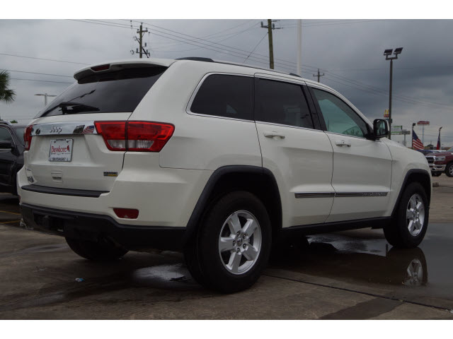Pre-Owned 2012 Jeep Grand Cherokee 4D SUV RWD