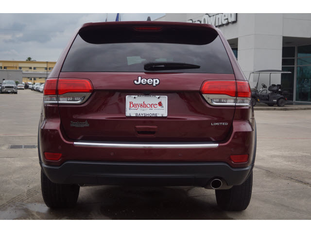 Certified Pre-Owned 2017 Jeep Grand Cherokee 4D SUV RWD