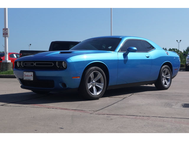 Pre-Owned 2019 Dodge Challenger 2D Coupe