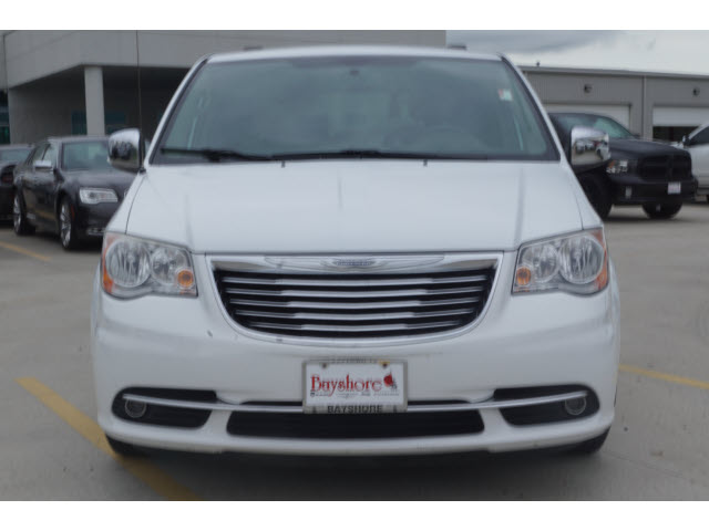 Pre-Owned 2014 Chrysler Town & Country Wagon LWB