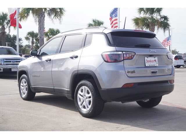 Certified Pre-Owned 2018 Jeep Compass 4D SUV FWD