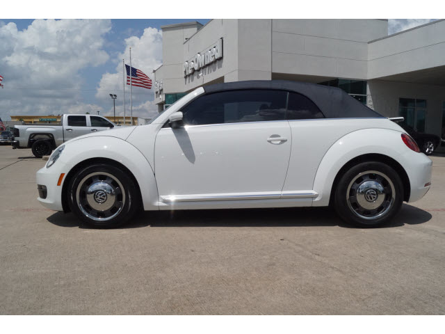 Pre-Owned 2016 Volkswagen Beetle 2D Convertible