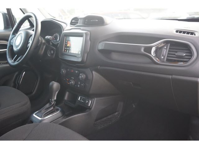 Pre-Owned 2018 Jeep Renegade 4D SUV FWD