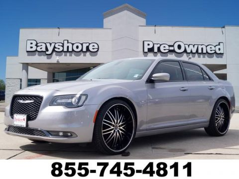 Pre-Owned 2015 Chrysler 300 4D Sedan V6