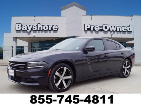 Pre-Owned 2017 Dodge Charger 4D Sedan