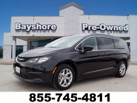 Pre-Owned 2018 Chrysler Pacifica Wagon